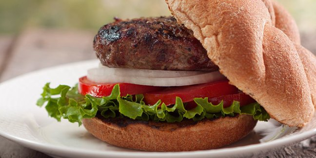 Burgers-with-Roasted-Garlic-and-Rosemary